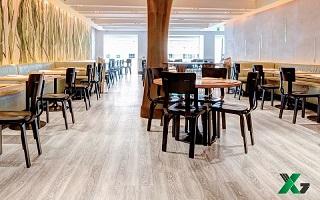 Công trình sàn nhựa hèm khóa cho nhà hàng Manwah