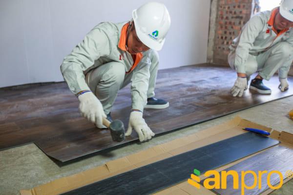 Thi công lắp đặt sàn nhựa anpro T5